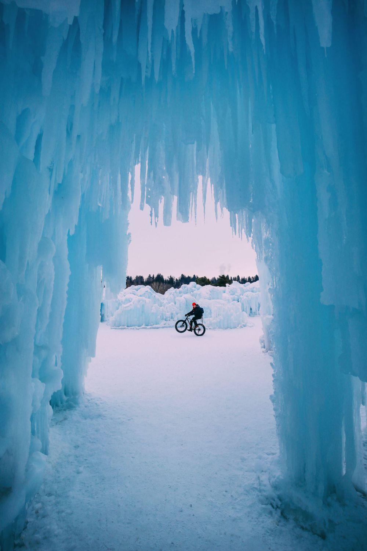 Edmonton City In Alberta Canada - Ice Castles And Travel Photos (10)