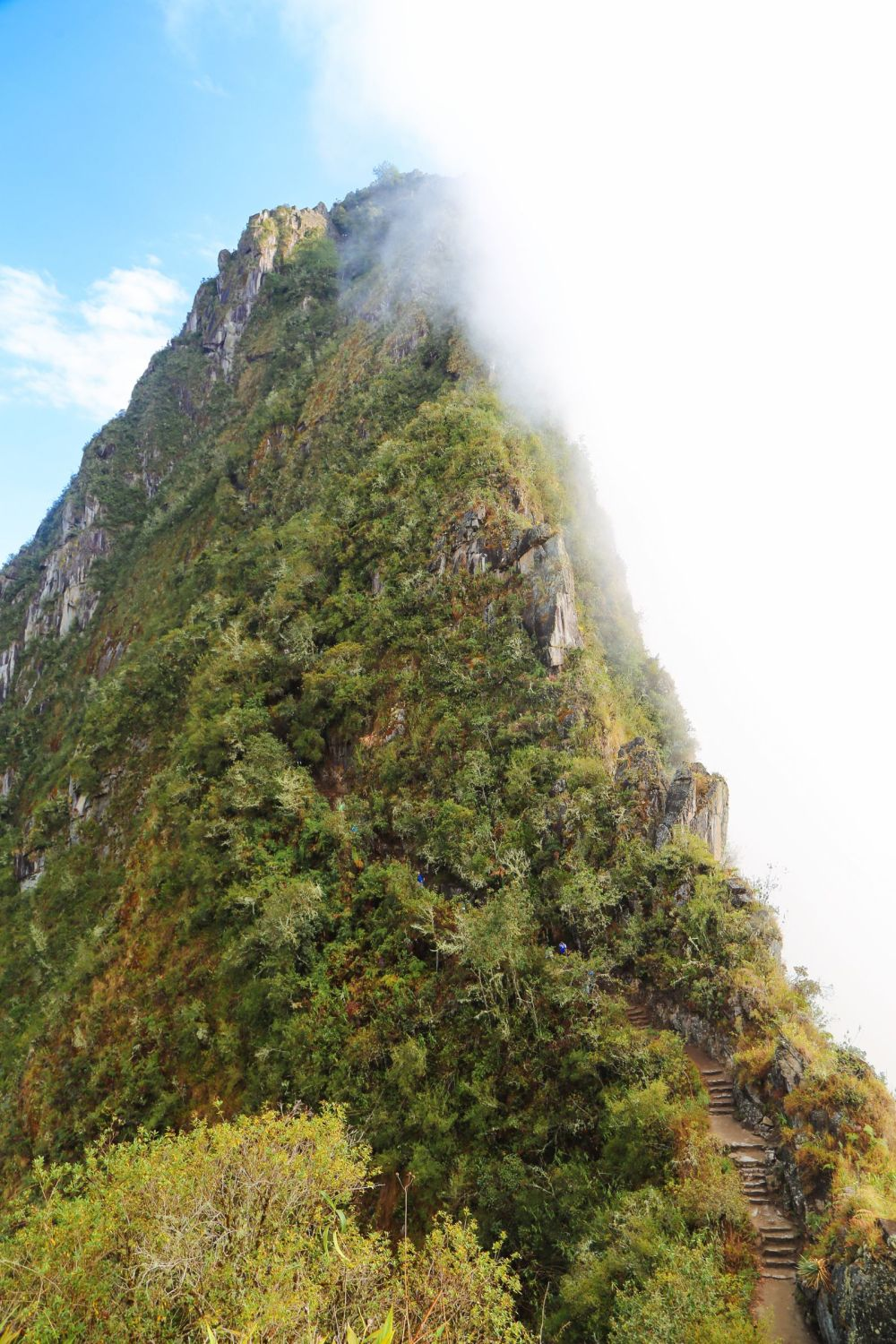This Is The Most Unique View Of Machu Picchu – At The Top Of Huayna Picchu Mountain (3)