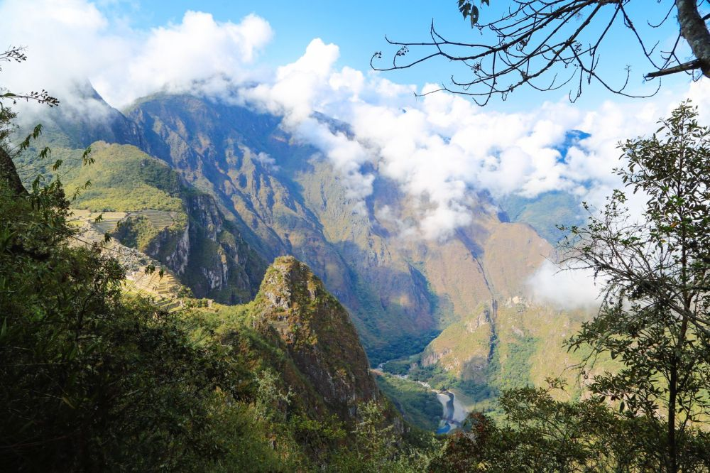 This Is The Most Unique View Of Machu Picchu – At The Top Of Huayna Picchu Mountain (6)