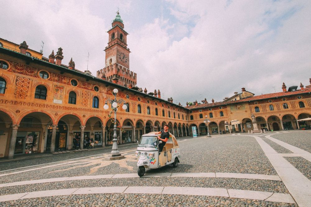 Exploring The Italian Region Of Lombardy – On A Rickshaw! (21)