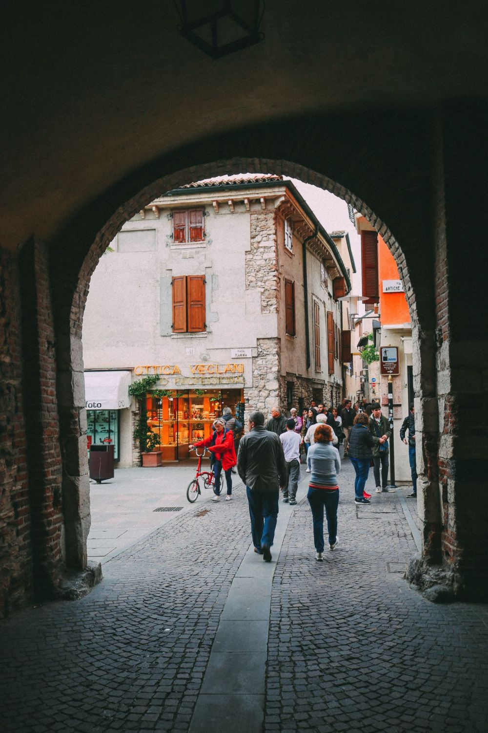 The Absolutely Beautiful Town Of Sirmione… In Lake Garda, Italy (31)