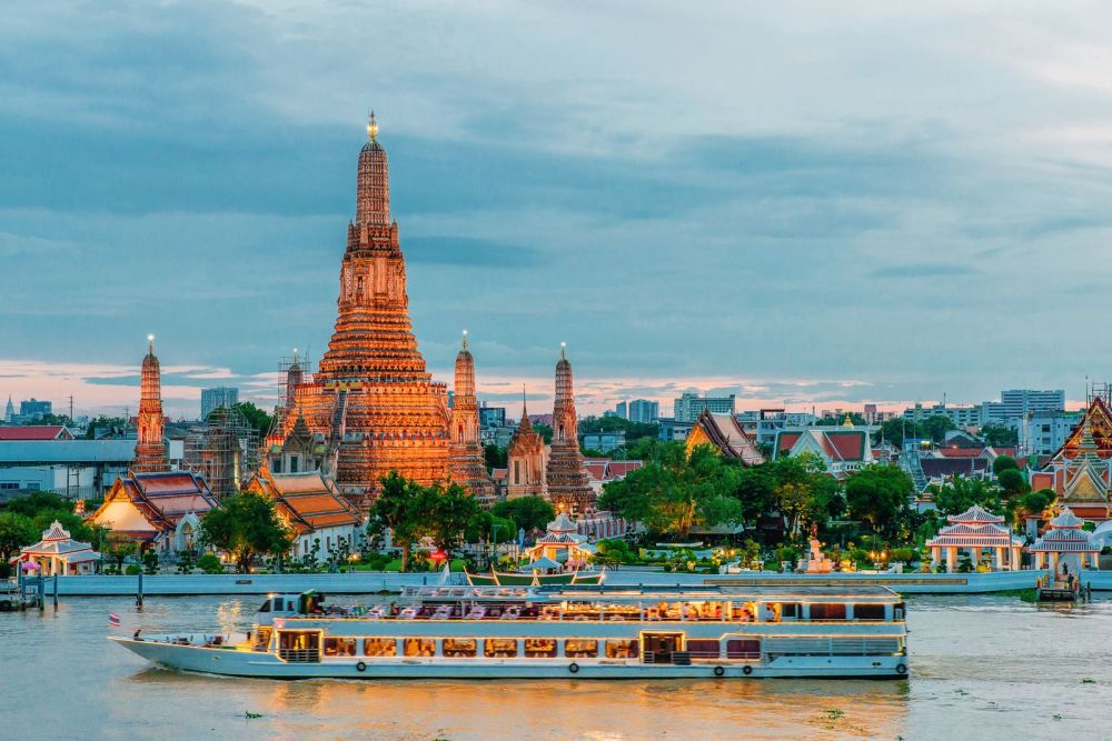 11 Amazing Places And Things You Need To See In Bangkok, Thailand (14)