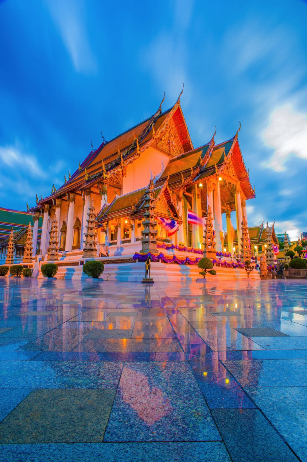 11 Amazing Places And Things You Need To See In Bangkok, Thailand (4)