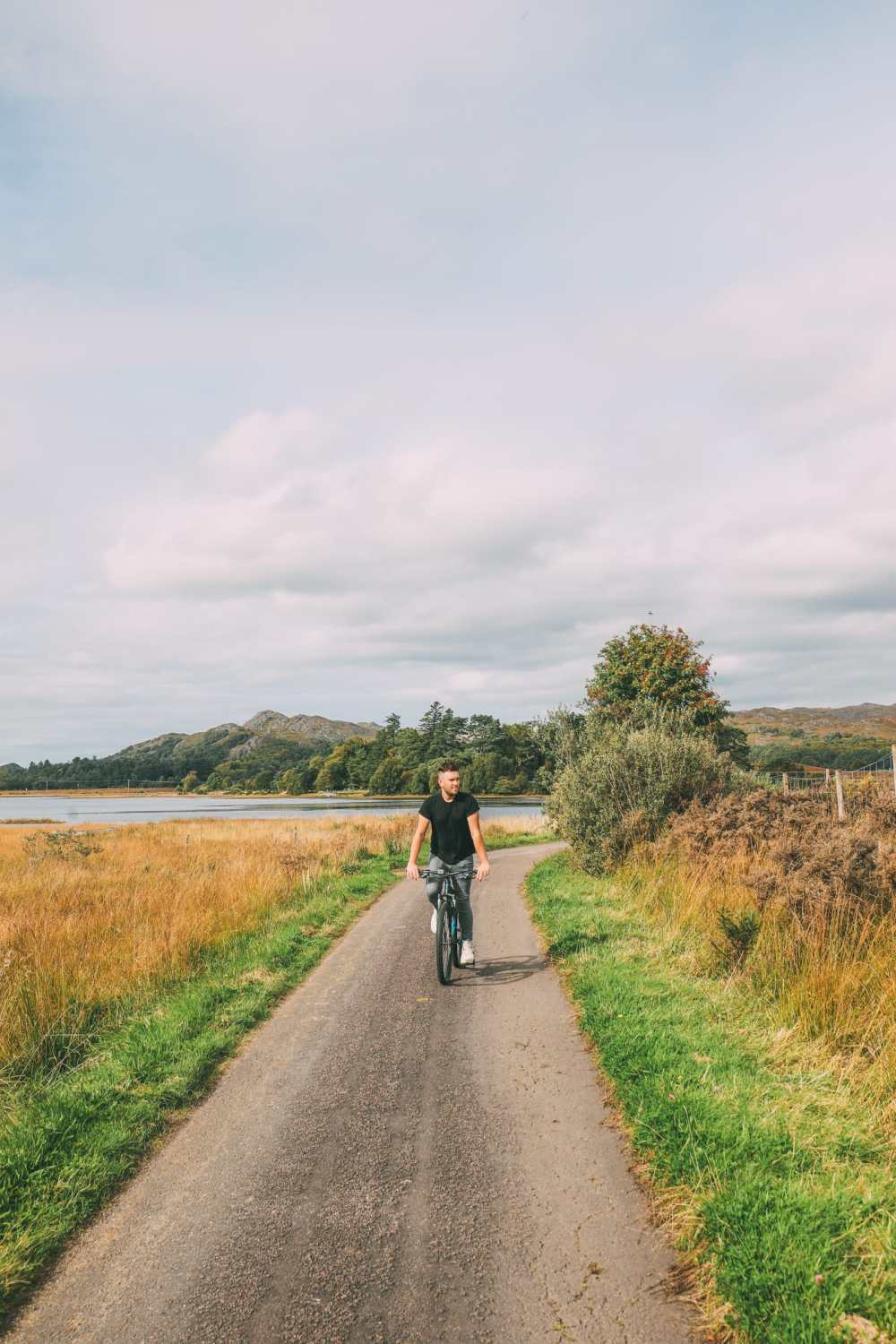 Whisky Drinking, Loch Rowing And Picnicking In The Scottish Highlands (55)