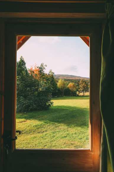 Whisky Drinking, Loch Rowing And Picnicking In The Scottish Highlands (40)