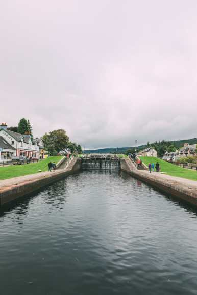Whisky Drinking, Loch Rowing And Picnicking In The Scottish Highlands (15)