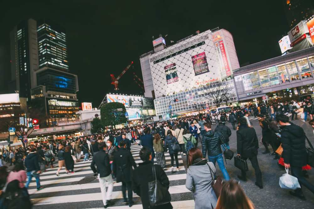 The Famous Shibuya Crossing And Dancing Robots... In Tokyo, Japan (13)
