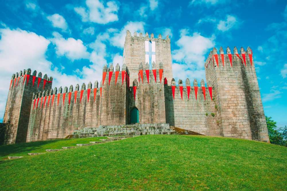 19 Beautiful Castles In Portugal You Have To Visit (9)