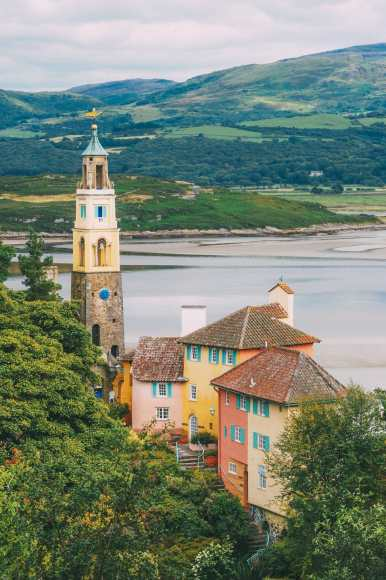 17 Colourful Towns And Cities To Visit In Europe! (10)