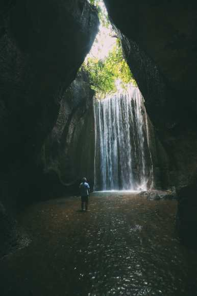 Finding A Secret Waterfall in Bali, Tirta Empul Temple And Mount Batur Volcano (44)