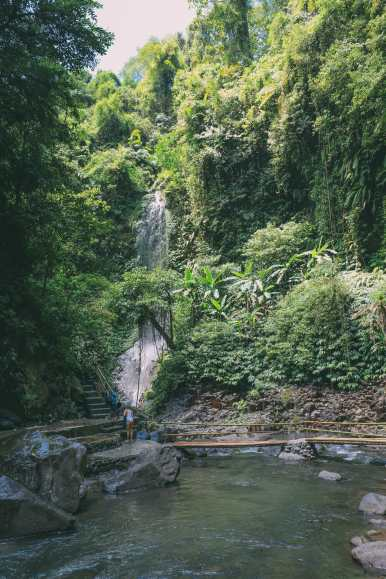 Bali Travel - The Beautiful Nungnung Waterfall And Ulun Danu Bratan Temple (6)