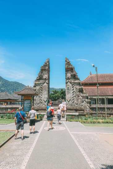 Bali Travel - The Beautiful Nungnung Waterfall And Ulun Danu Bratan Temple (26)
