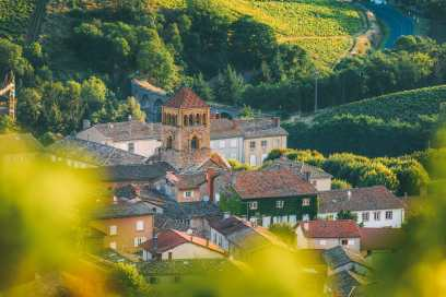 9 Beautiful Wine Regions In France You Need To Holiday In (2)