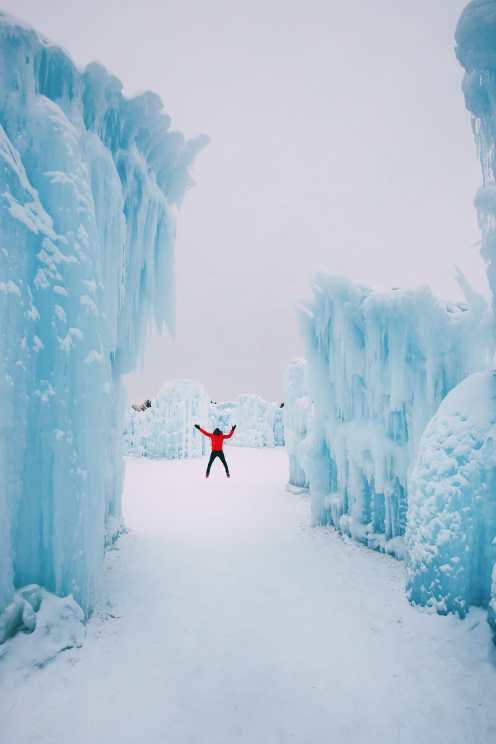 Ice Castle In Alberta, Canada (4)