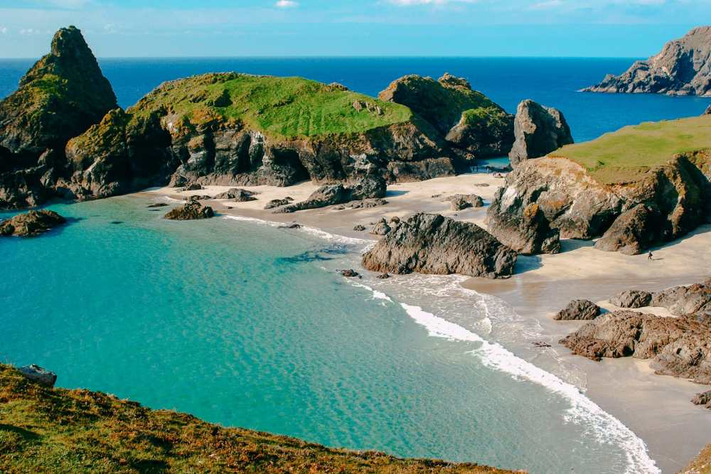 Places To Visit On The The Coast Of Cornwall, England (1)