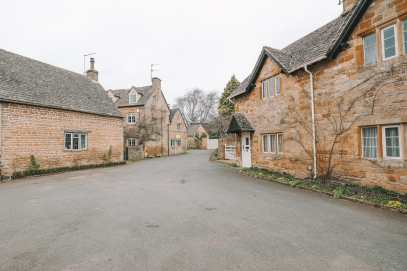 4 Villages And Towns You Have To Visit In The Cotswolds, England (30)