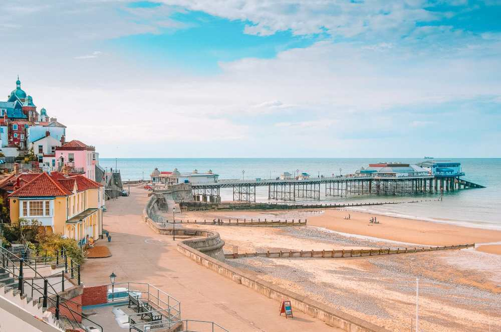 16 Places To Enjoy The Best Seaside Holidays In the UK (10)