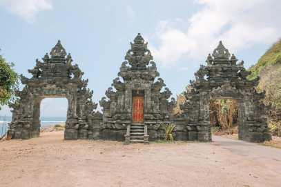 Bali Travel Diary - Ubud Palace, Uluwatu and Tanah Lot (16)