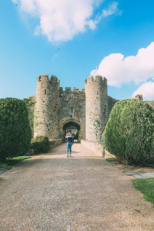 Here's How To Stay In A 1,000 Year Old Castle In England (3)