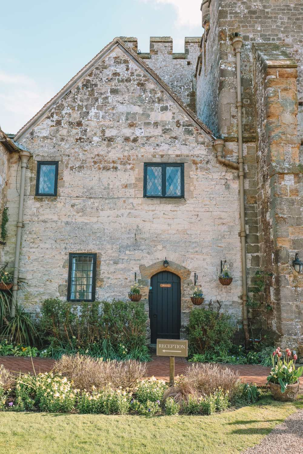 Here's How To Stay In A 1,000 Year Old Castle In England (7)