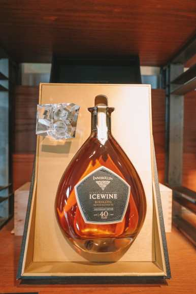 Ice Wine And Snow Storms... In Niagara-on-the-Lake, Canada (8)