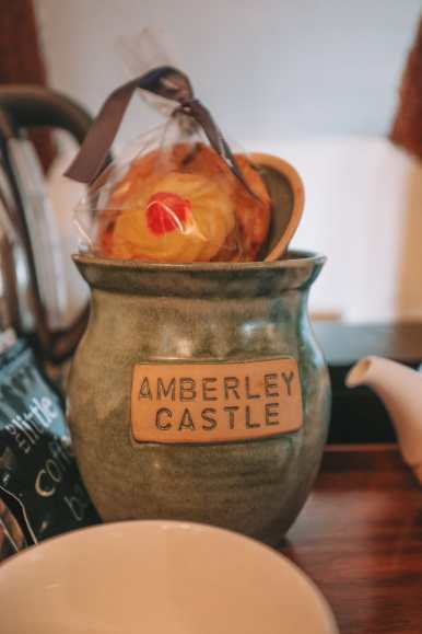 Here's How To Stay In A 1,000 Year Old Castle In England (16)