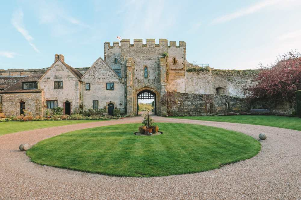 Here's How To Stay In A 1,000 Year Old Castle In England (37)