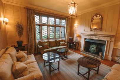 Here's How To Stay In A 1,000 Year Old Castle In England (47)