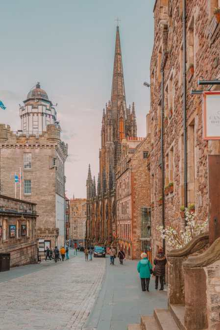 Best Things To Do In Edinburgh, Scotland (12)