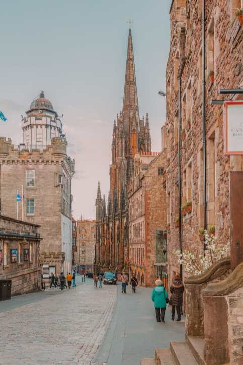 Best Things To Do In Edinburgh, Scotland (12)