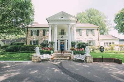 Visiting Graceland - The Home Of Elvis Presley (33)