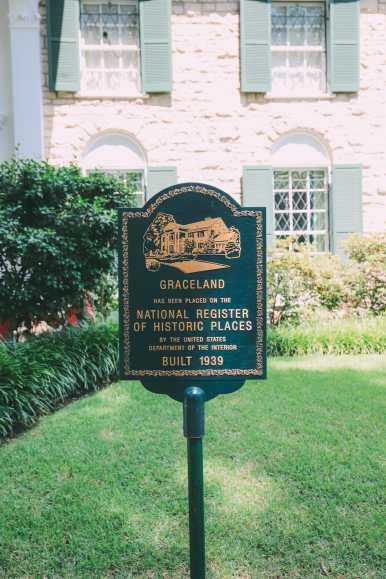 Visiting Graceland - The Home Of Elvis Presley (35)