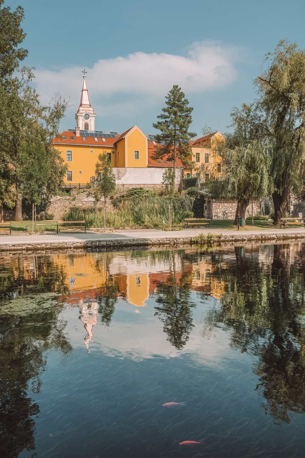 Beautiful Towns And Cities In Hungary To Visit (7)