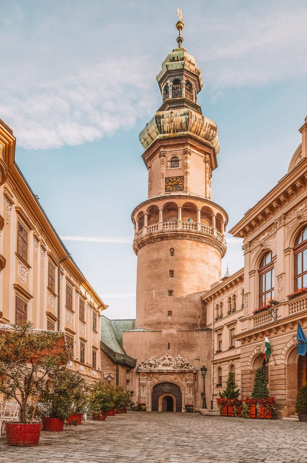 Beautiful Towns And Cities In Hungary To Visit (10)