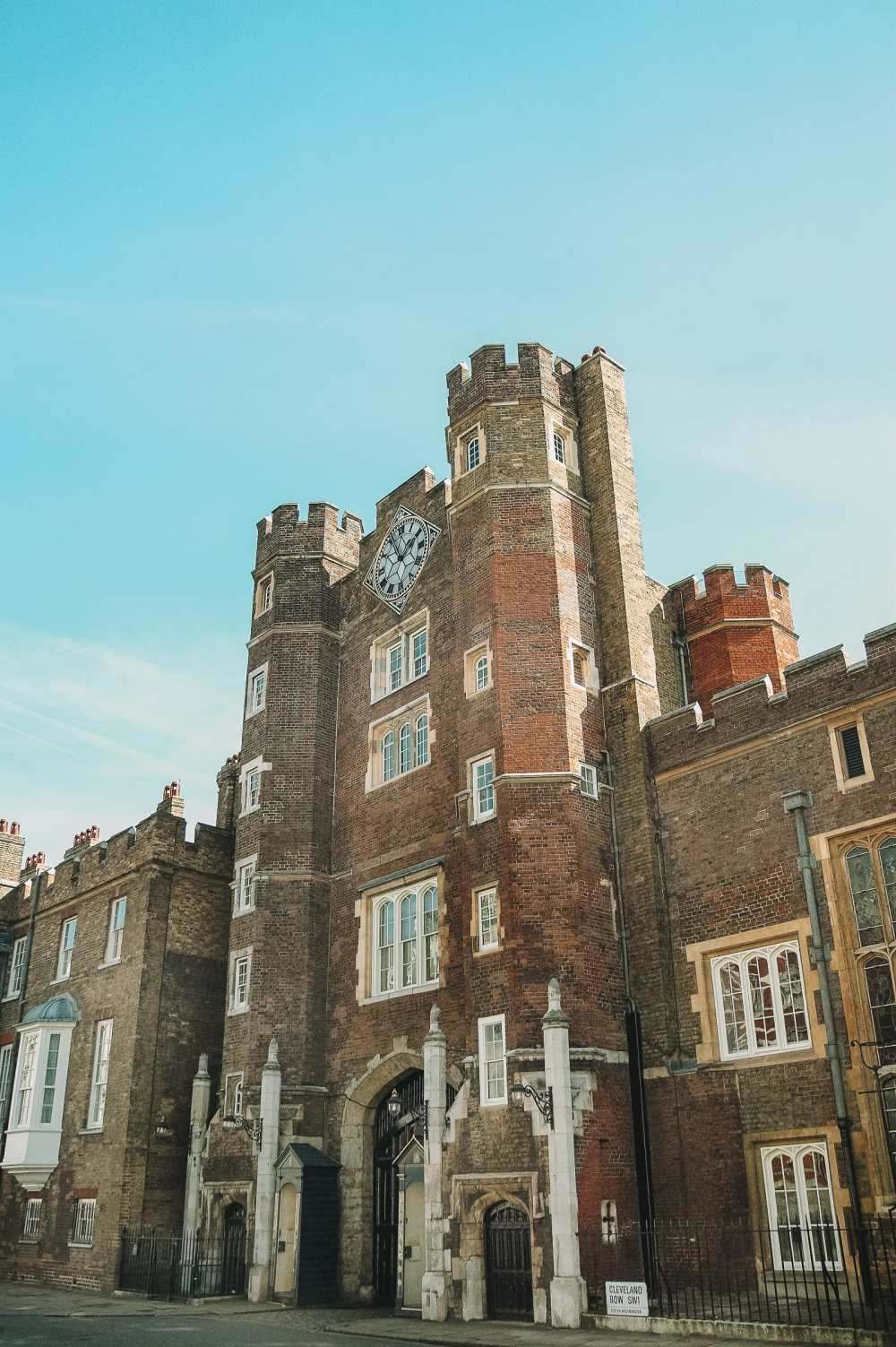 10 Beautiful Palaces In London You Have To Visit (16)