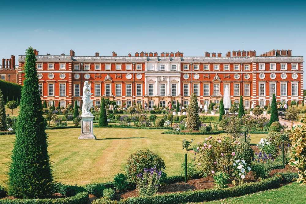 10 Beautiful Palaces In London You Have To Visit (4)