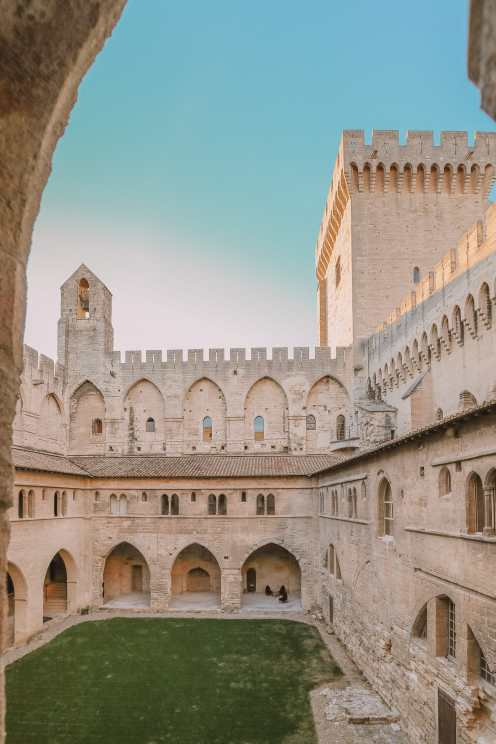 24 Hours Visiting Avignon, Provence (13)