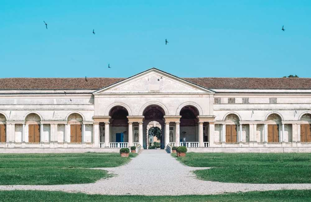 Why You Need To Visit The Ancient City Of Mantua, Italy (18)