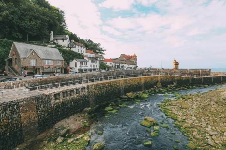 The Absolutely Dramatic Coastline Of Devon, England (28)