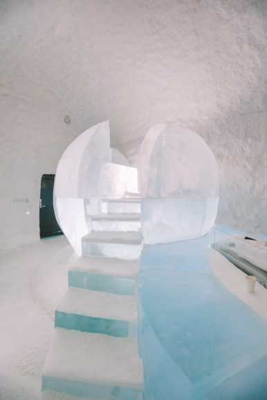 Here's What The ICEHOTEL Looks Like Inside (1)