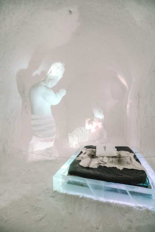 Here's What The ICEHOTEL Looks Like Inside (2)