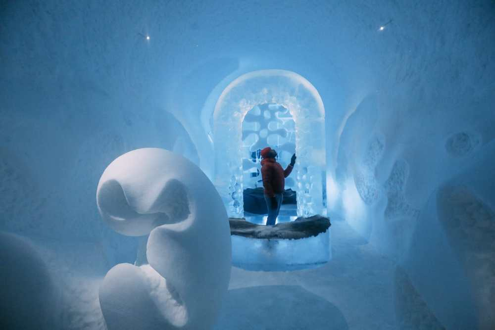 Here's What The ICEHOTEL Looks Like Inside (14)