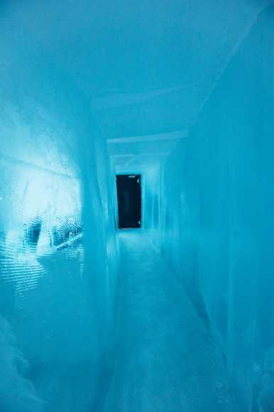 Here's What The ICEHOTEL Looks Like Inside (16)