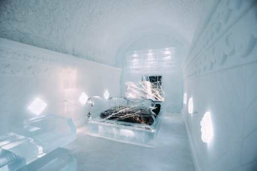 Here's What The ICEHOTEL Looks Like Inside (18)