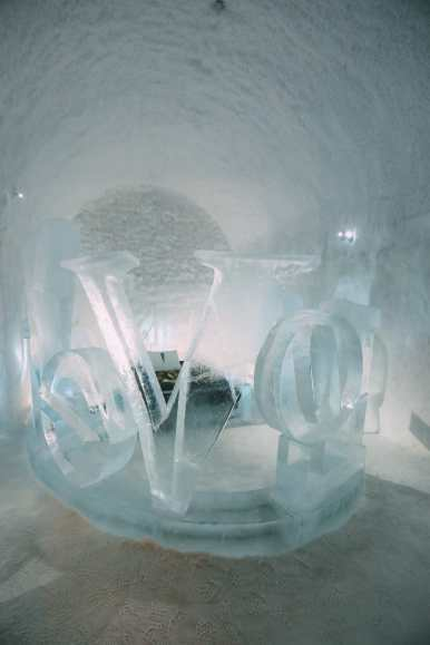 Here's What The ICEHOTEL Looks Like Inside (24)