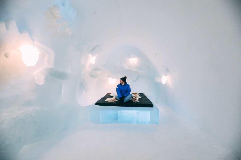 Here's What The ICEHOTEL Looks Like Inside (59)