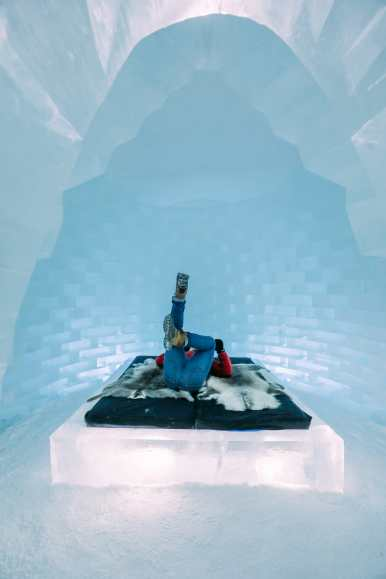 Here's What The ICEHOTEL Looks Like Inside (71)