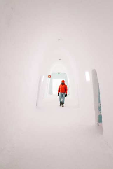 Here's What The ICEHOTEL Looks Like Inside (72)