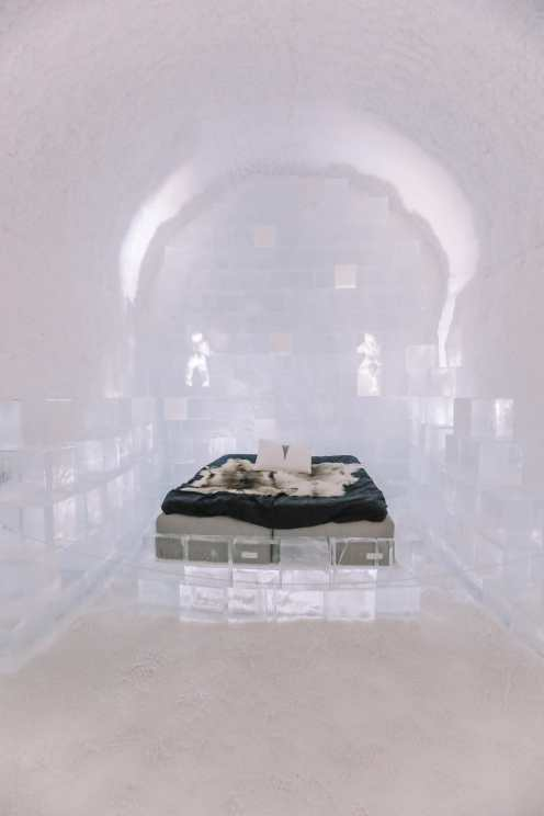 Here's What The ICEHOTEL Looks Like Inside (76)