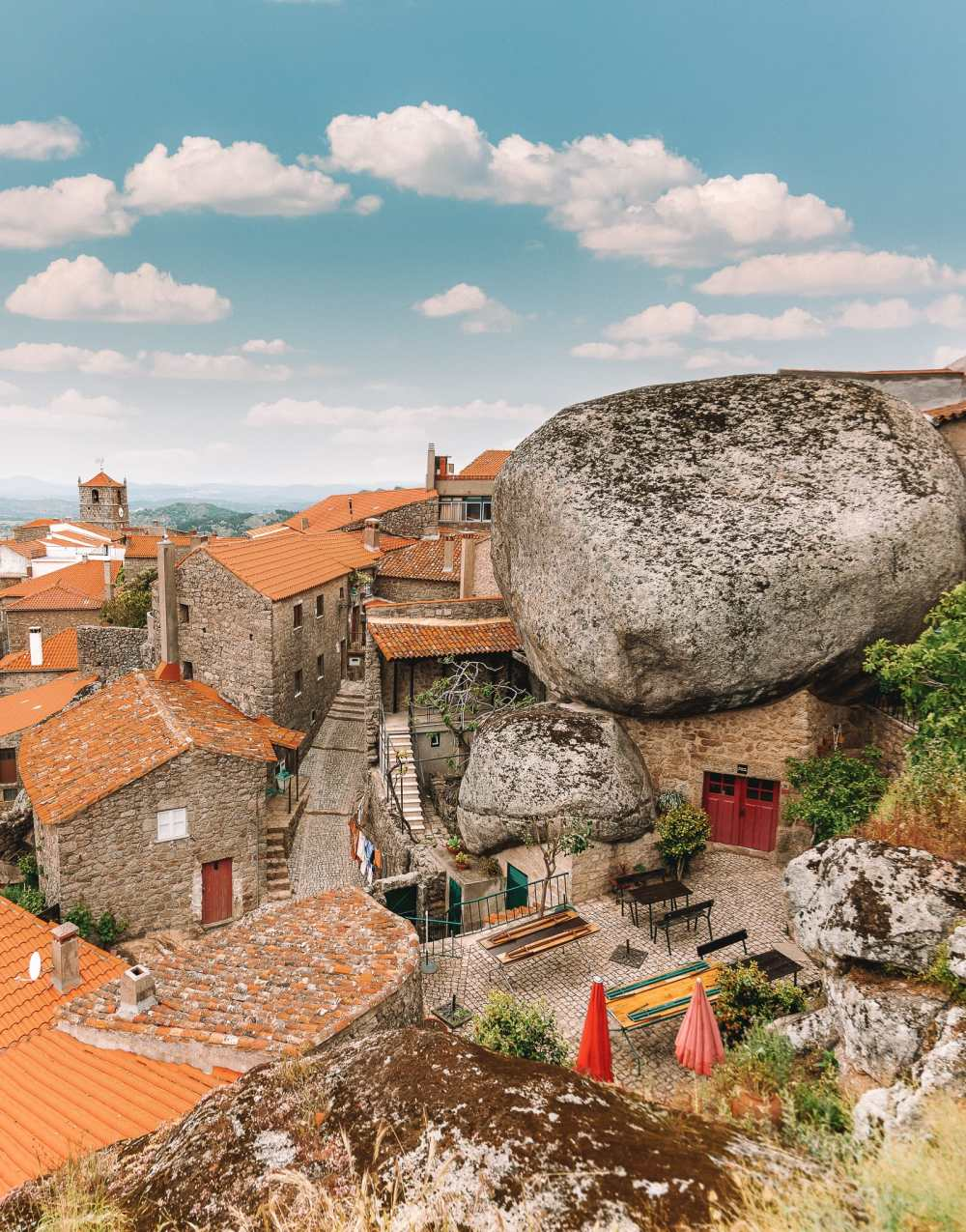 14 Best Places In Portugal To Visit This Year (13)